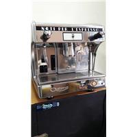 Cấu tạo và cách hoạt động của máy pha cà phê.