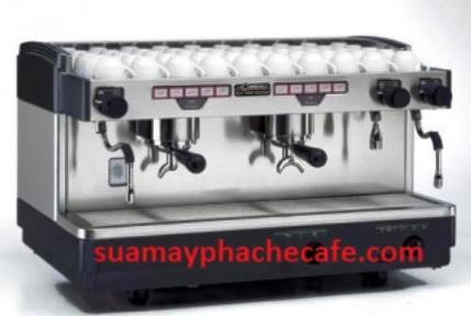 máy pha cà phê chuyên nghiệp La Cimbali