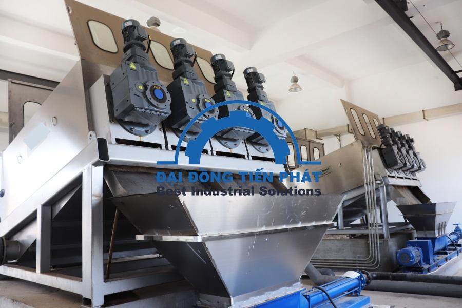 Máy ép bùn trục vít sản xuất tại Việt Nam