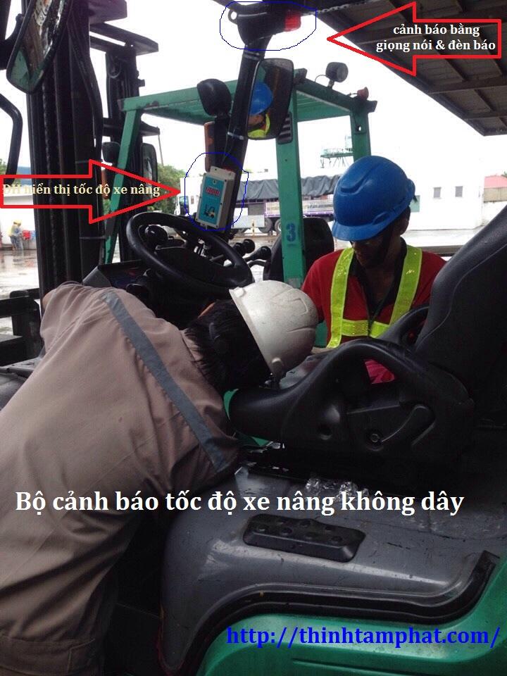 canh-bao-toc-do-xe-nang