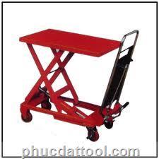 Xe nâng ban-table truck UDT