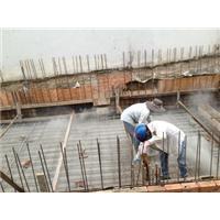 Rắc bột chống thấm ngược cho sàn tầng hầm
