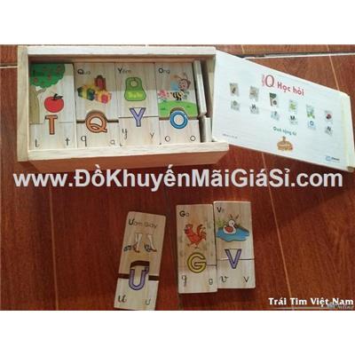 """Bộ hộp gỗ """"Bé IQ học hỏi"""" sữa Similac tặng cho bé vừa chơi vừa làm quen bảng chữ cái tiếng Việt"""