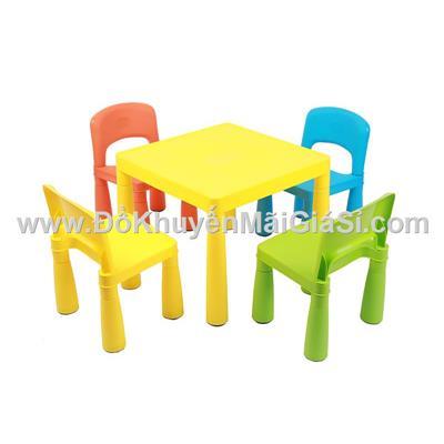 Bộ 1 bàn + 4 ghế sắc màu Friso bằng nhựa cho bé