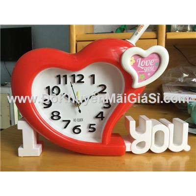 Đồng hồ để bàn hình trái tim có báo thức - Kt: (24 x 15) cm - Màu đỏ