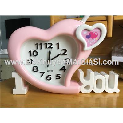 Đồng hồ để bàn hình trái tim có báo thức - Kt: (24 x 15) cm - Màu hồng
