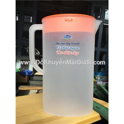 Ca nước nhựa Vinamilk 2 lít hình Elip có chia vạch - Kt: (26.5 x 20 x 8) cm