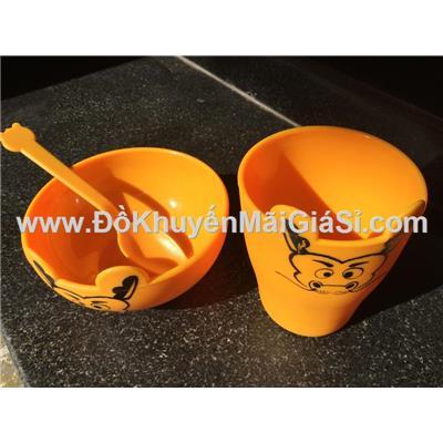 Bộ dụng cụ tập ăn Dutch Lady 3 món hình thú cho bé - Có màu: vàng, đỏ, cam
