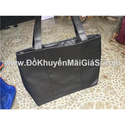 Túi xách Tresemme chống ướt màu đen - Kt: (36 x 33.5 x 12 x 29) cm  Tui xach Tresemme chong uot mau den - Kt: (36 x 33.5 x 12 x 29) cm