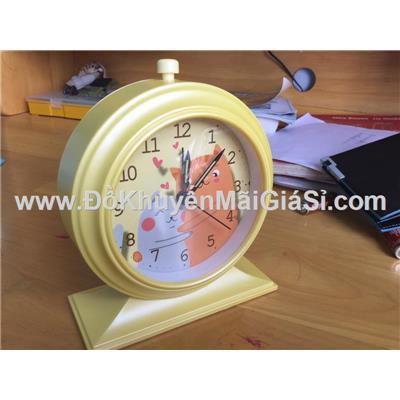 Đồng hồ để bàn hình tròn có báo thức + đèn - Kt: (12.5 x 5.2 x 15) cm - Vàng