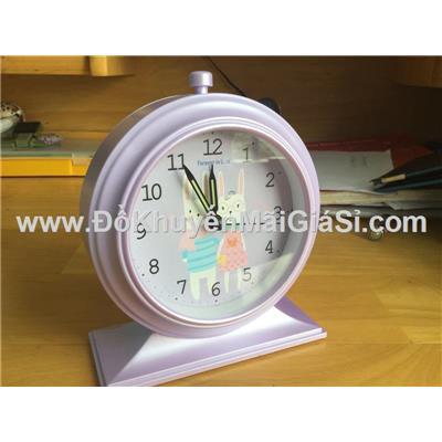 Đồng hồ để bàn hình tròn có báo thức + đèn - Kt: (12.5 x 5.2 x 15) cm - Tím