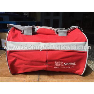 Túi trống cá nhân Nestle màu đỏ cỡ nhỏ - Kt: (35 x 22 x 23) cm