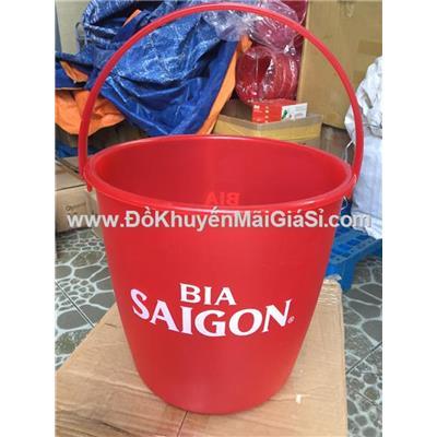 Xô nhựa dẻo đựng đá nhựa Hiệp Thành, Bia Sài Gòn tặng - Kt: (24.5 x 24 x 38) cm