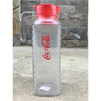 Bình thủy tinh vuông Coca Cola 1.1 lít nắp nhựa màu đỏ - Kt: (24.5 x 8.5 x 11.5) cm  Binh thuy tinh vuong Coca Cola 1.1 lit nap nhua mau do - Kt: (24.5 x 8.5 x 11.5) cm