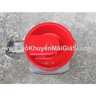 Bình thủy tinh vuông Coca Cola 1.1 lít nắp nhựa màu đỏ - Kt: (24.5 x 8.5 x 11.5) cm