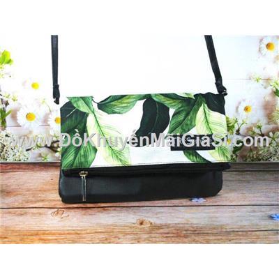 Túi đeo chéo Tresemme họa tiết chiếc lá - Kt: (24.5 x 17) cm