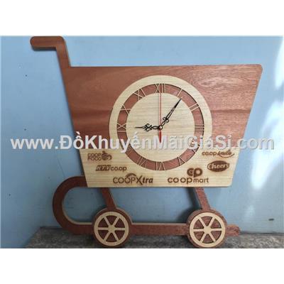 Đồng hồ treo tường bằng gỗ Coopxtra hình xe đẩy siêu thị