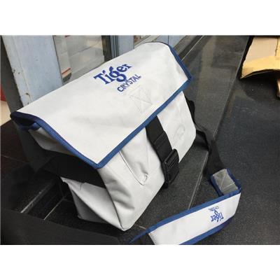Túi đeo chéo Tiger Crystal cho học sinh/ sinh viên - Kt: (40 x 38 x 11) cm
