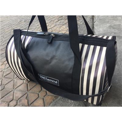 Túi trống Tresemme chống ướt sọc trắng đen - Kt: (37 x 20 x 23) cm  Tui trong Tresemme chong uot soc trang den - Kt: (37 x 20 x 23) cm