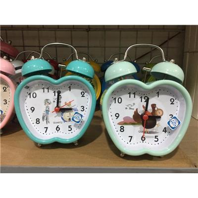 Trái táo xanh: Đồng hồ báo thức để bàn kèm pin, có đèn