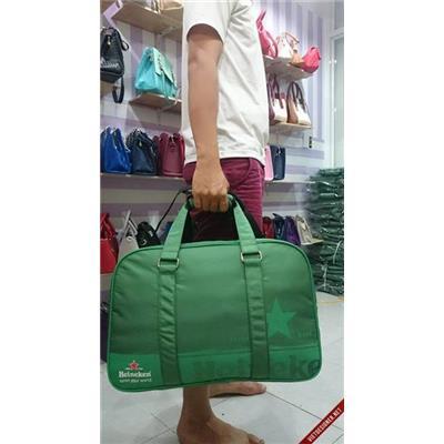 Túi xách du lịch cao cấp Heineken 2 ngăn dây kéo riêng - Kt: (50 x 16 x 30) cm  Tui xach du lich cao cap Heineken 2 ngan day keo rieng - Kt: (50 x 16 x 30) cm