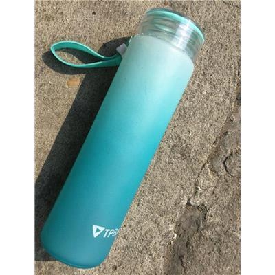 XANH: Bình nước thủy tinh màu TPBANK tặng dung tích 480 ml