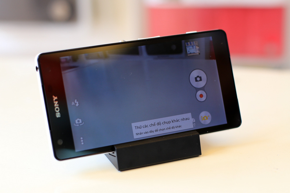 Ban Dien Thoai Sony Xperia ZL2 Nhat RAM 3GB Moi Fullbox