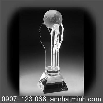 Cúp pha lê dành cho giải Nhất các cuộc thi số 022