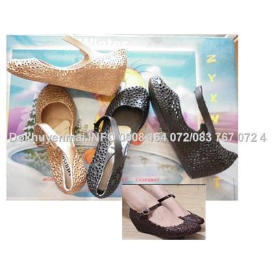 Giày nhựa kết hoa đi mưa quai hậu fashion