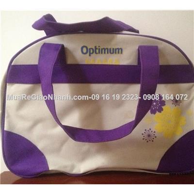 Túi xách hình bán nguyệt duyên dáng cho mẹ Abbott