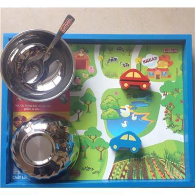set khay ăn kết hợp đồ chơi giúp tăng hứng khởi cho bé
