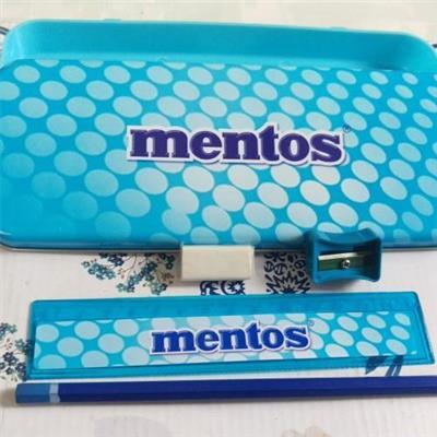 HỘP đựng bút và 4 món dụng cụ học tập cho bé