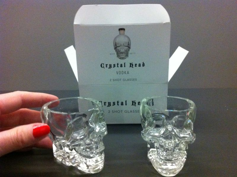 ly uong ruou vodka crystal head